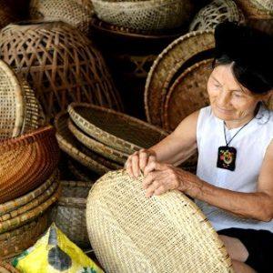 Làng đan lát Bao La